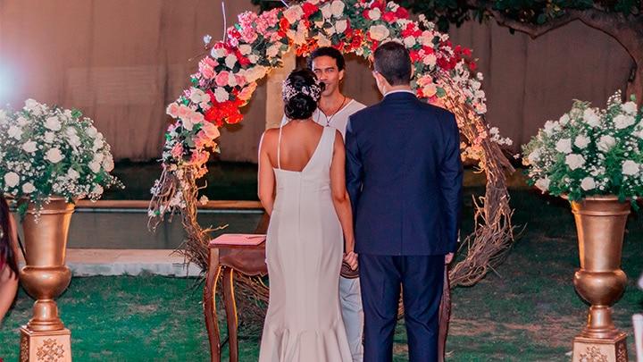 Celebrante de Casamento Ed Rodrigues realizando casamento religioso com efeito civil